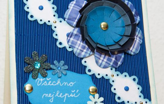 Modrá květina na čtvercovém přání od Rejka