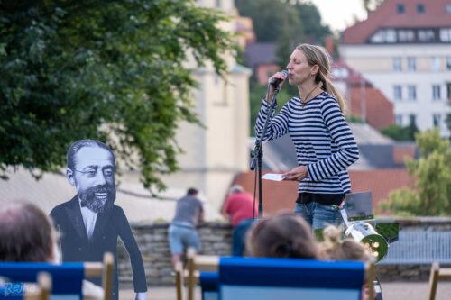 zpěvačka skupiny Rendez-fou na koncertě v rámci festivalu Sematnova Litomyšl