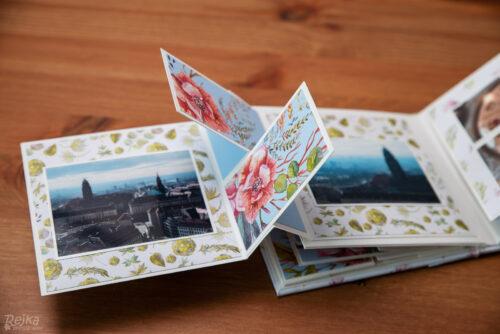 křížící se kartičky uprostřed dvojstranny v mini albu Drážďany 2018