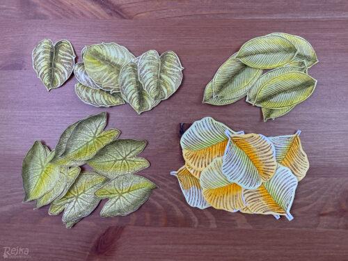vystřižená razítka listů připravená na výrobu harmoniky