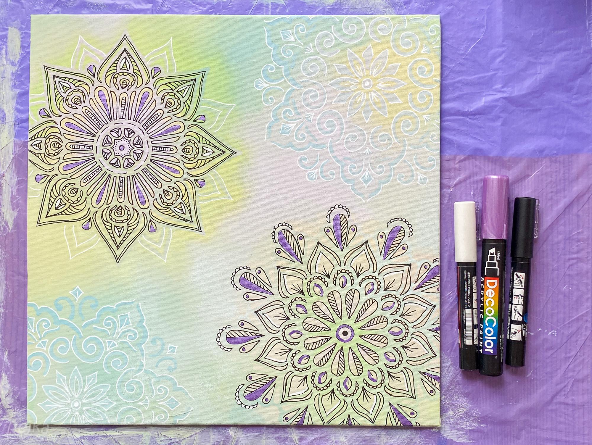 Obraz s mandalami v pastelových barvách
